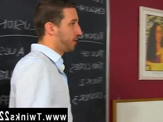 Twink video Horny instructer Tony Hunter doesnt seem to care much about