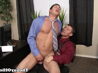 homo office hunk assfucked deeply