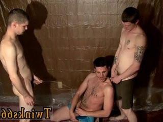 Twinks XXX The fellows are gathering around and wanking off over him