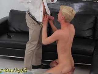 homosexualcastings light-hairede twink drools on cock