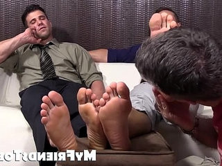 Hot studs Cole and Kenny love to have their feet adoreped