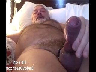 Hot daddycuddly hairy man deep-throats his explosion